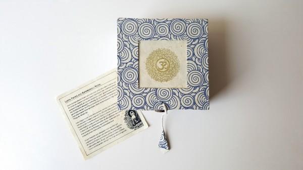 Lokta-Box 'blaue Spiralen', blau, T 11 cm, B 11 cm, H 5,5 cm