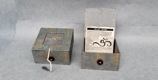 Lokta Box 'Om', grau, T 11 cm, B 11 cm, H 5,5 cm