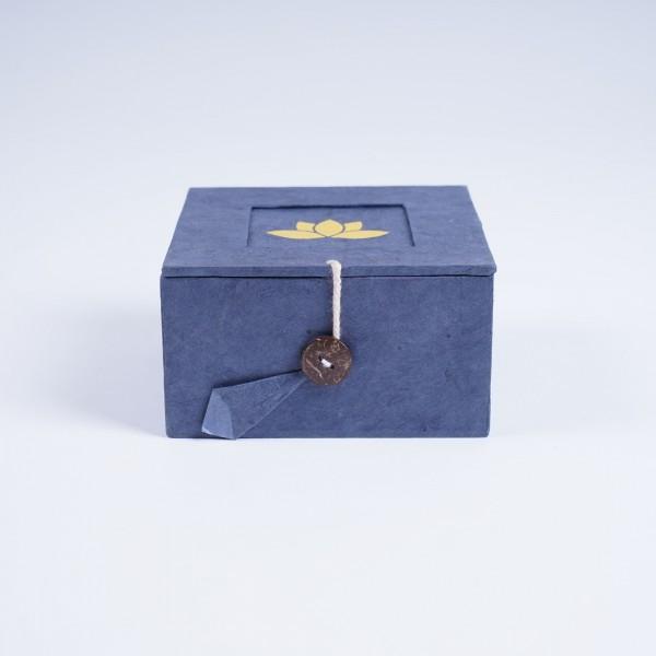 Lotusbox aus Loktapapier, blau, L 11 cm, B 11 cm, H 5,5 cm