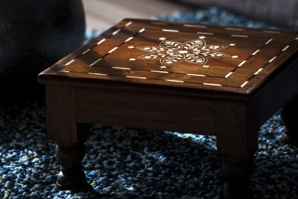 Teetisch 'Bajot' aus Teak mit floralem Inlay, natur, T 30 cm, B 30 cm, H 18 cm