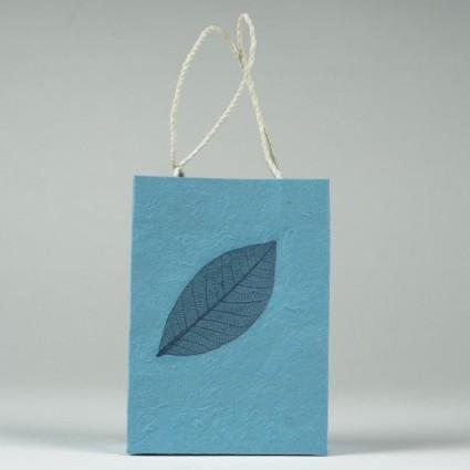 Tasche aus handgeschöpftem Papier, blau, L 11,5 cm, B 5 cm, H 16 cm