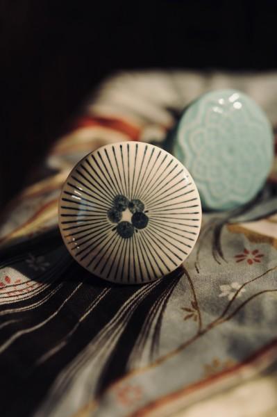 Keramik-Knauf 'Strahlen', rund, weiß, schwarz, Ø 4 cm