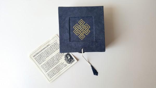Lokta-Box 'Endlosknoten', blau, T 11 cm, B 11 cm, H 5,5 cm