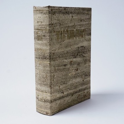 """Buchhülle """"War & Peace"""", L 5 cm, B 16 cm, H 24 cm"""