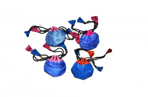 Seidenbeutel gemustert, blau, T 6 cm, B 6 cm