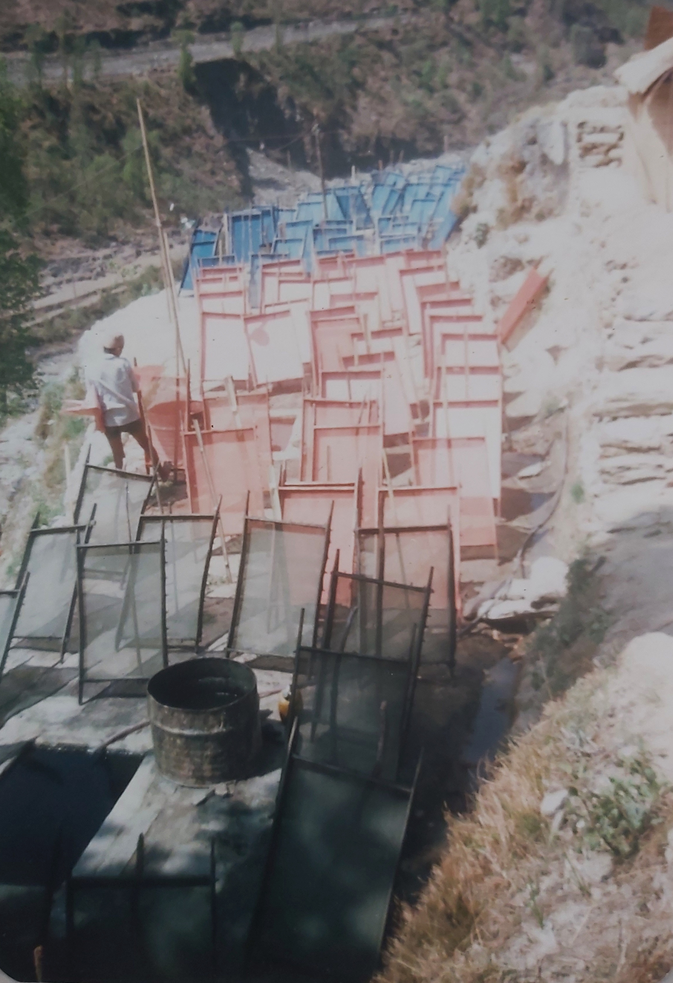 Nepal_picture-of-paper-making-4-1