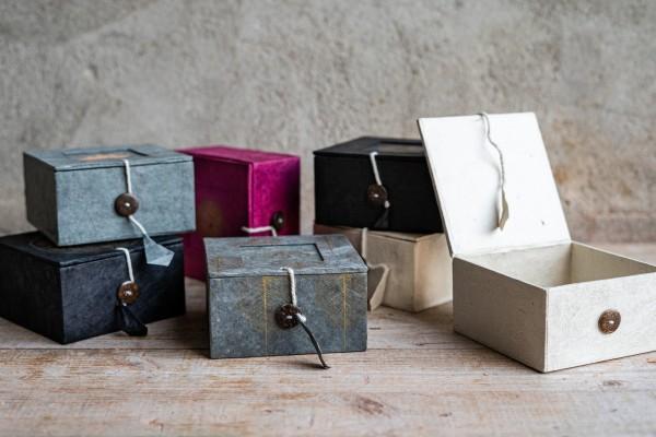 Lotusbox aus Loktapapier, schwarz, L 11 cm, B 11 cm, H 5,5 cm