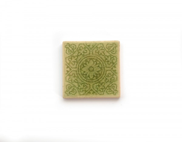 Steingutuntersetzer Blumenornament, hellgrün, T 10 cm, B 10 cm, H 1 cm