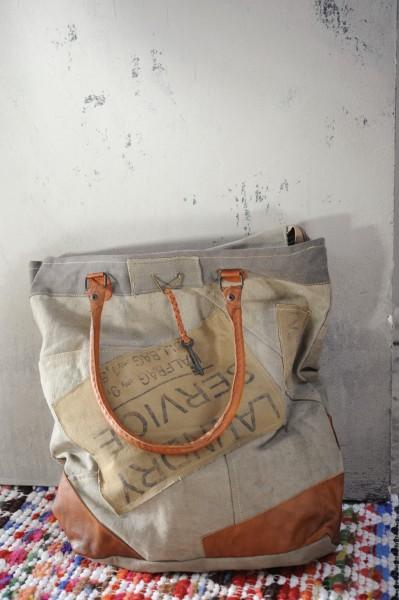 Umhängetasche 'Baldev' aus derbem Leinen, beige/grau, B 43 cm, H 44 cm