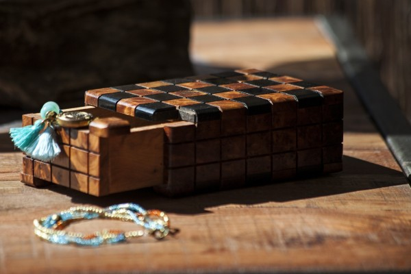Thuja 'Secret-Box', natur, schwarz, T 11 cm, B 8 cm, H 5 cm