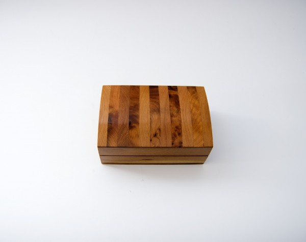 Thuja Box gestreift, braun, T 10,5 cm, B 7 cm, H 4,5 cm