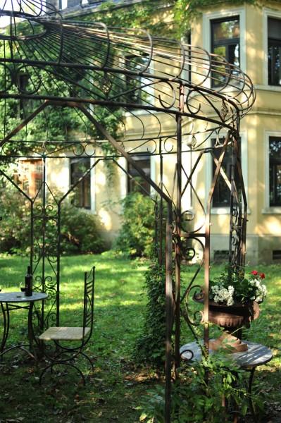 Gartenpavillon 'Percule', schwarz, Ø 365 cm