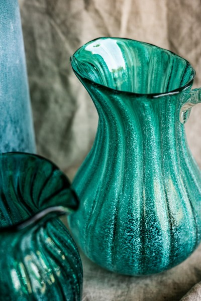 Glaskaraffe 'Muschel', blaugrün, T 19 cm, B 15 cm, H 23 cm