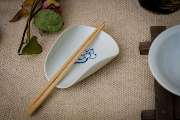 Keramikschale, weiß, blau, T 12 cm, B 9 cm, H 5 cm