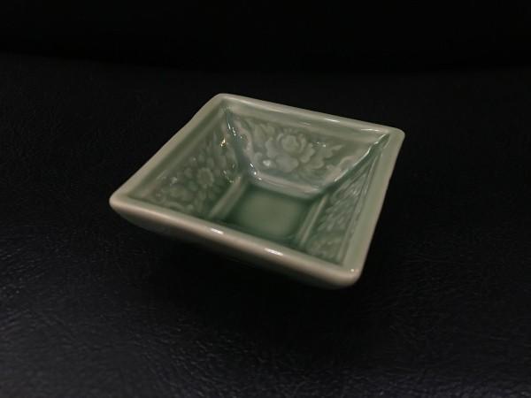 Schale quadratisch, grün, T 7 cm, B 7 cm, H 2,5 cm