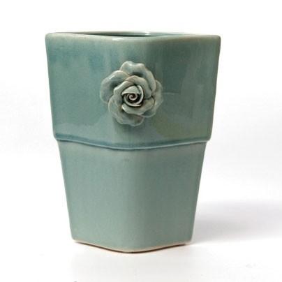 """Vase """"Rosa Bonica"""", mit handmodellierten Blüten, L 20 cm, B 20 cm, H 24 cm"""