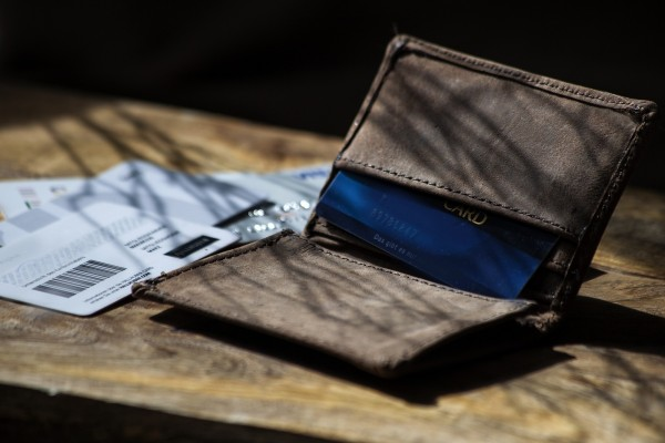 Kreditkartenhalter, braun, T 10 cm, B 7,6 cm, H 1,5 cm