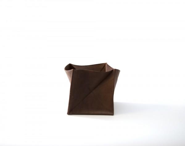 Münzbörse, braun, T 7 cm, B 7 cm, H 7 cm