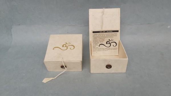Lokta Box Om, weiß, T 11 cm, B 11 cm, H 5,5 cm