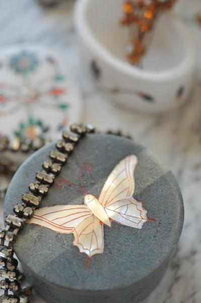 Dose 'Schmetterling', aus Naturstein, schwarz, Ø 6 cm, H 3 cm